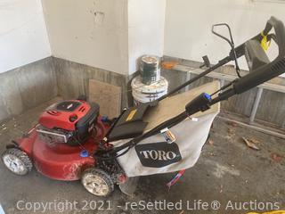 """Toro 22"""" Self-Propelled Lawnmower"""