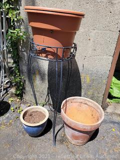 Plant Stand & Pots