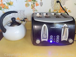 Black & Decker Toaster and Tea Pot