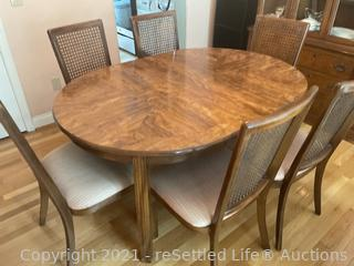 Chaircraft Dining Room Table and Chairs