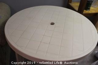 Round Plastic Outdoor Table